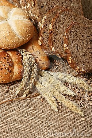 Bread and wheat grains
