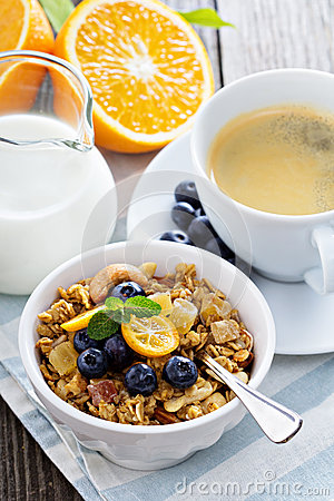Free Breakfast Set On The Table With Granola Royalty Free Stock Images - 46856189