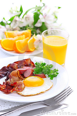 Free Breakfast With Bacon, Fried Egg And Orange Juice Stock Images - 17134294