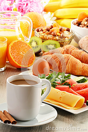 Free Breakfast With Coffee, Orange Juice, Croissant, Egg, Vegetables Royalty Free Stock Photos - 31229798