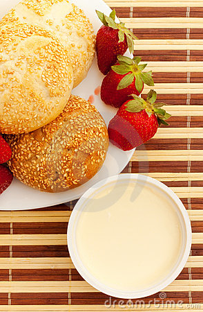 Free Breakfast With Strawberry Royalty Free Stock Photography - 14548957