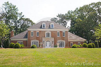 Brick Traditional on Grassy Hill