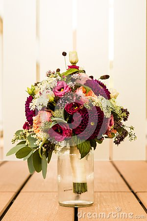 Free Bridal Bouquet The Day Of The Wedding Stock Image - 143620391