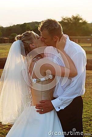 Free Bridal Couple. Royalty Free Stock Image - 1899676