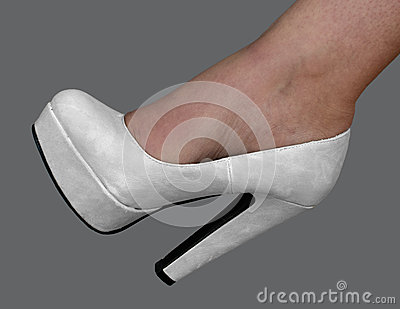 Bridal pumps