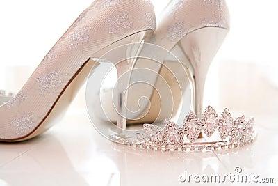 Bridal shoes and tiara