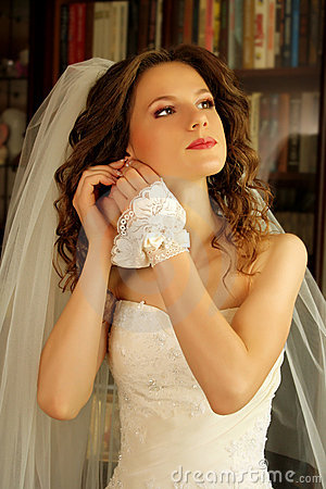 Free Bride Royalty Free Stock Photos - 17580488