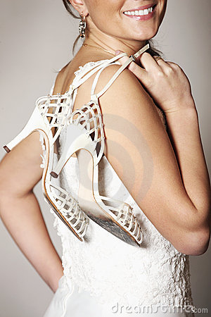 Free Bride And Shoes Royalty Free Stock Images - 17771649