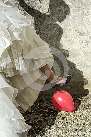 Free Bride Balloon Hole With Heel Stock Photos - 153559573