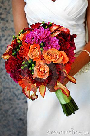 Free Bride Holding Colorful Large Bouquet Royalty Free Stock Image - 9661566