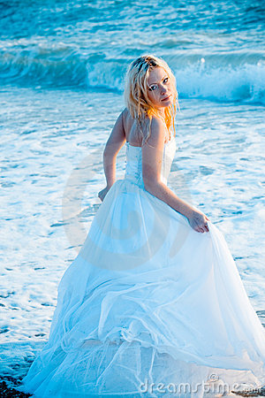 Free Bride In Sea Water Royalty Free Stock Photography - 5252287