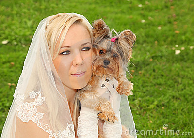 Bride keeps small dog