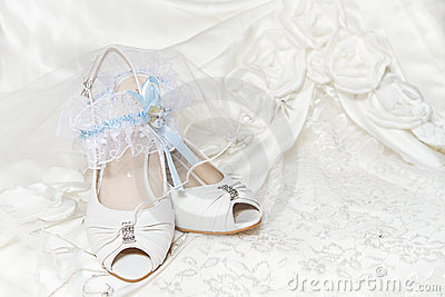 Bride s shoes, garter, wedding dress
