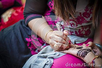 Bride wearing henna