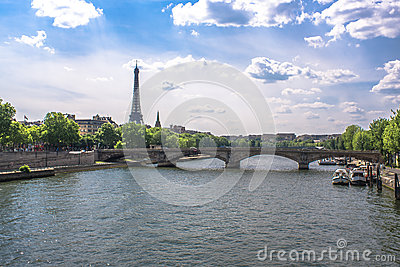 Bridge accross the Seine in Paris