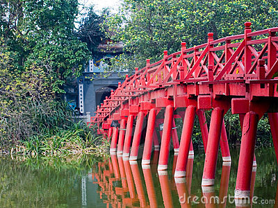 Bridge on the Hoan Kiem Lake, Hanoi, Vietnam