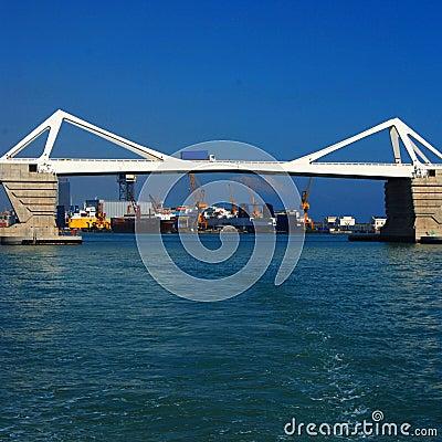 Free Bridge & Industrial Port Royalty Free Stock Images - 3640509