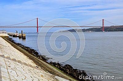 Bridge of 24 July, Lisbon