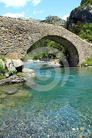 Free Bridge Of Bujaruelo In The Region Of Aragón In Spain. Stock Photography - 104436182