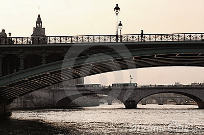 Bridge of the Seine to the Isle de la Cite