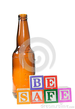 Brievenblokken spellen veilig is met een bierfles