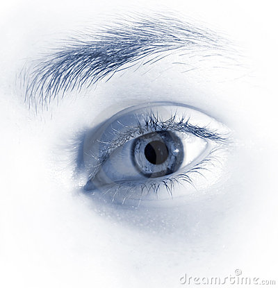Bright eye image with soft colors
