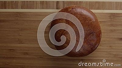 brioche pain liasse Pain Pointe molle Préparation d'hamburger Nourriture Cuisine cuisinier banque de vidéos