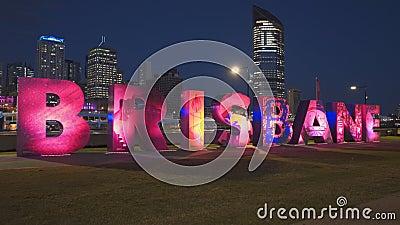 Brisbane, AUSTRALIEN-März, 7, 2017: Nachtseite mit Blick auf die Brisbane-Briefe der G20 stock footage