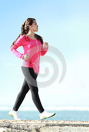 Free Brisk Walking On The Beach Royalty Free Stock Photography - 42330197