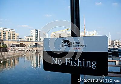 Britse waterwegen Londen Redactionele Afbeelding