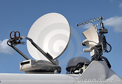 Broadcast antenna and dish