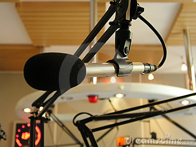 Broadcasting microphone