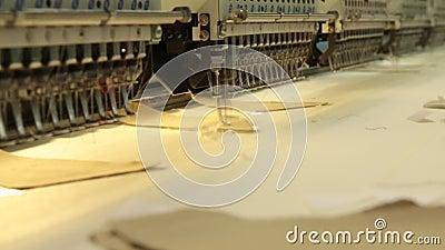 Broderie industrielle et machine à coudre clips vidéos