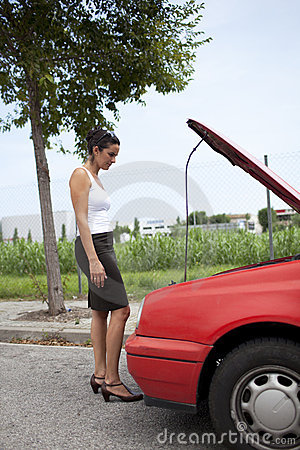 Broken bilkvinna