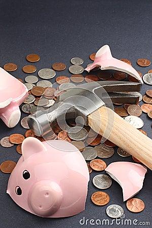 Free Broken Piggy Bank With Savings Money Royalty Free Stock Image - 8073336