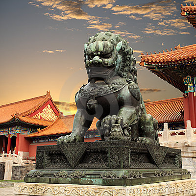 Free Bronze Lion In The Forbidden City Stock Image - 21160341