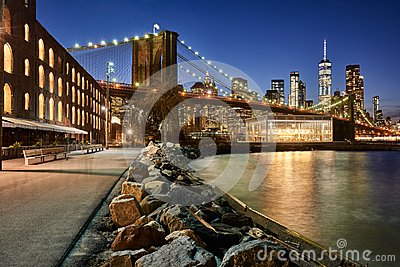Brooklyn Bridge Park riverfront and Lower Manhattan at twilight. Brooklyn, Manhattan, New York City Stock Photo