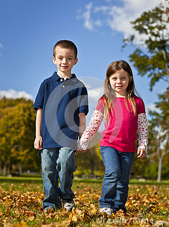 Free Brother And Sister Royalty Free Stock Image - 28980446
