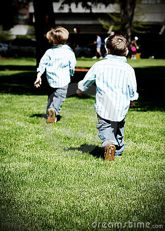Free Brothers Running Stock Photo - 5235290