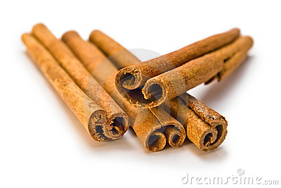 Brown cinnamon sticks