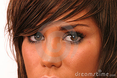 BROWN HAIR GIRL Eyes