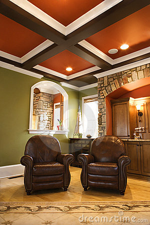 Free Brown Leather Chairs In Upscale Living Room Royalty Free Stock Image - 12968826