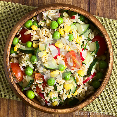 Free Brown Rice And Vegetable Salad Royalty Free Stock Images - 70274819