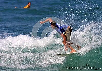 Bruce plancha la favorable competición hawaiana Imagen editorial