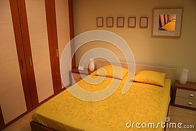 Bruine Gele Slaapkamer Royalty-vrije Stock Afbeelding - Afbeelding ...