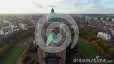Brukselska atrakcja turystyczna widzii przyciąganie antenę strzelał starą bazylikę zbiory wideo