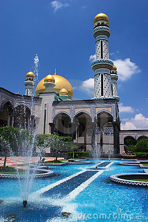Brunei Mosque and fountain