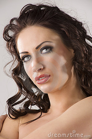 eyes pics Brunette with blue