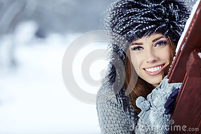 brunette   girl i winter clothes