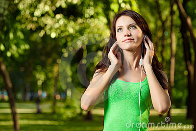 Brunette woman enjoy the music